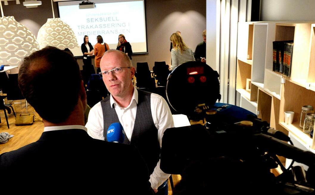 Generalsekretær Arne Jensen i Norsk Redaktørforening på dagens pressekonferanse.