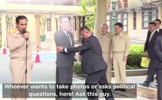 Statsminister Prayuth Chan-ocha foran en pressekonferanse.