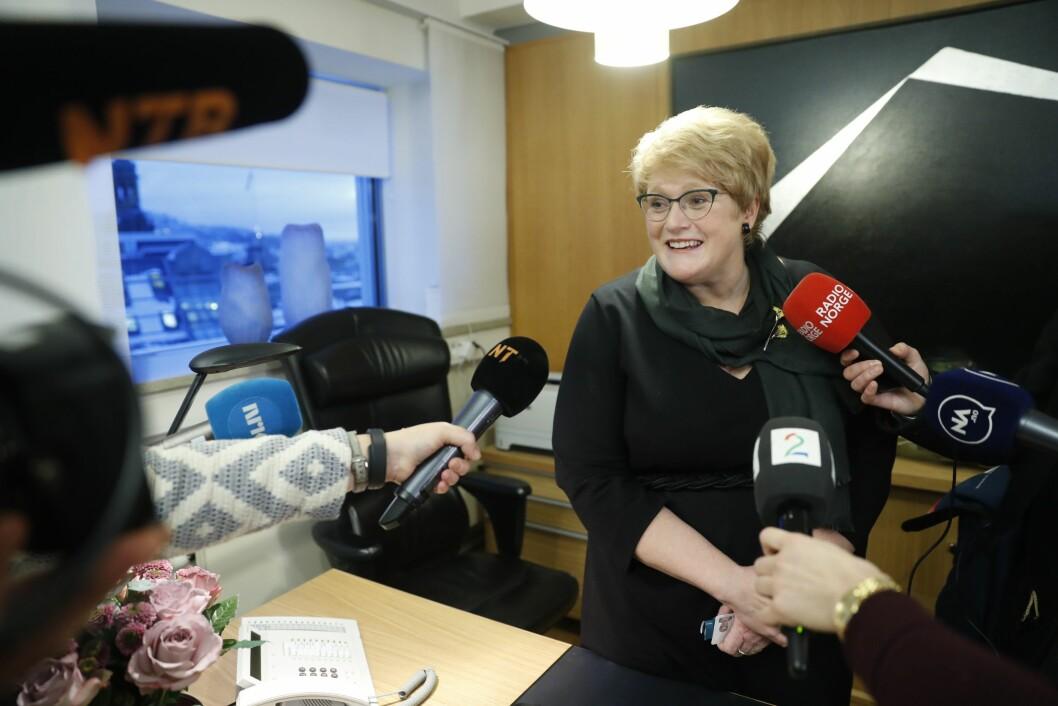 Kulturminister Trine Skei Grande (V) mottok forrige uke nøkler til kontoret.