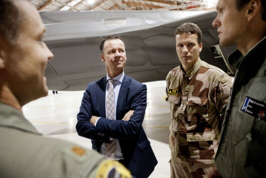 Roger ingebrigtsen - her som statssekretær i Forsvarsdepartementet i 2012, da han besøkte Edwards Air Force Base i California.
