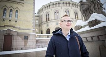 - Nå har mediepolitikken stått nærmest i ro i fire år, sier Kristian Torve (Ap). Han reagerer på kulturminister Skei Grandes «ansvarsfraskrivelse»