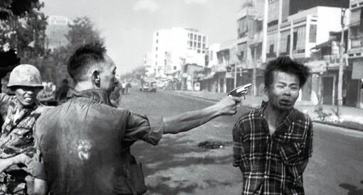 Historisk bilde: Denne uka er det 50 år siden fotojournalist Eddie Adams fanget Vietnamkrigens brutale grusomhet