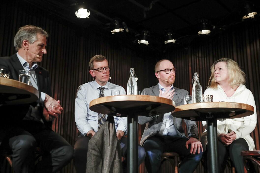 Fra venstre: Ap-leder Jonas Gahr Støre, politisk redaktør Kjetil Bragli Alstadheim i Dagens Næringsliv, VG-sjef Gard Steiro og nyhetsredaktør Tone Tveøy Strøm-Gundersen i Aftenposten under en åpen debatt om medienes dekning av #metoo-sakene i de politiske partiene i Kulturhuset i Oslo onsdag kveld.