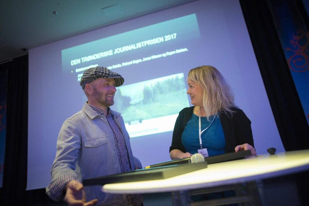 Journalist Kjerstin Rabås og fotograf Richard Sagen i Adresseavisen fikk priser på Hellkonferansen forrige helg.