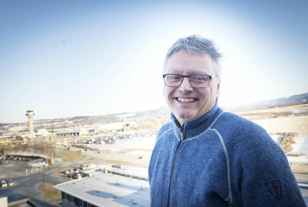 Næringslivsjournalist og NJ-veteran Håkon Okkenhaug takker for seg i Trønder-Avisa og ser fram til å bli næringssjef i Levanger kommune.