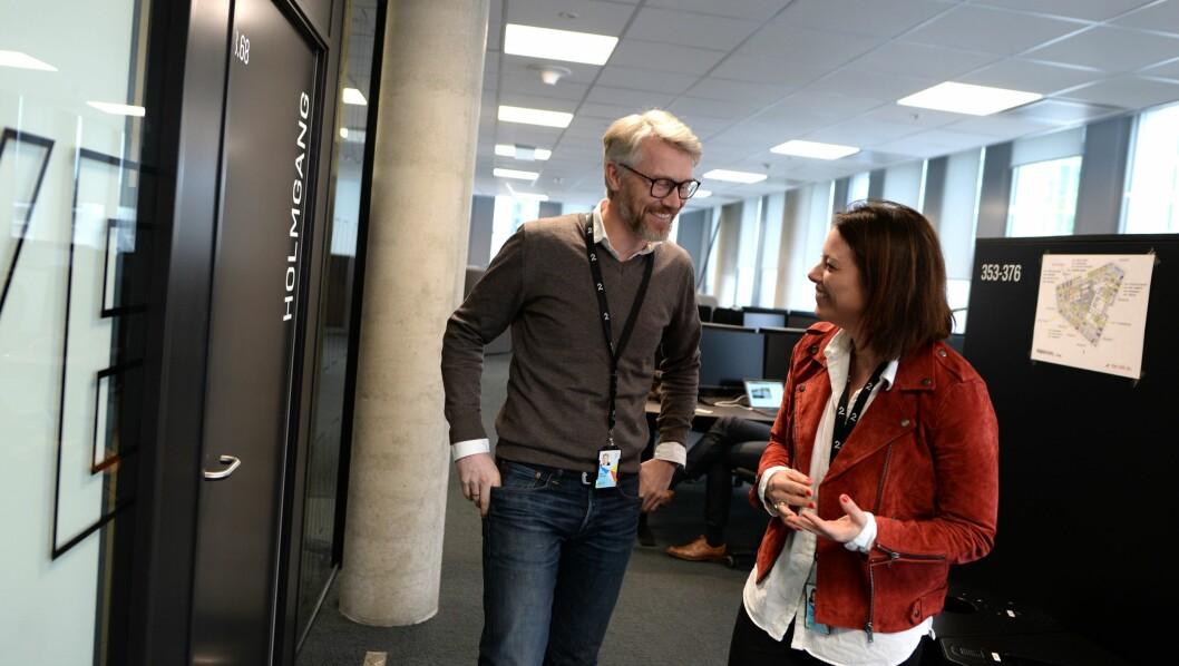 TV 2-sjef Olav Sandnes og organisasjonsdirektør Sarah Willand - her på TV 2s nye kontorer i Oslo.