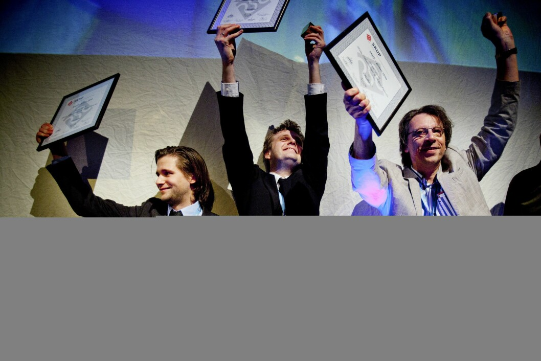 SIST I 2011: Steinar Figved, Robin Idland Krüger og Asbjørn Øyhovden i TV2-Nyhetene fikk SKUP-prisen 2010 for
