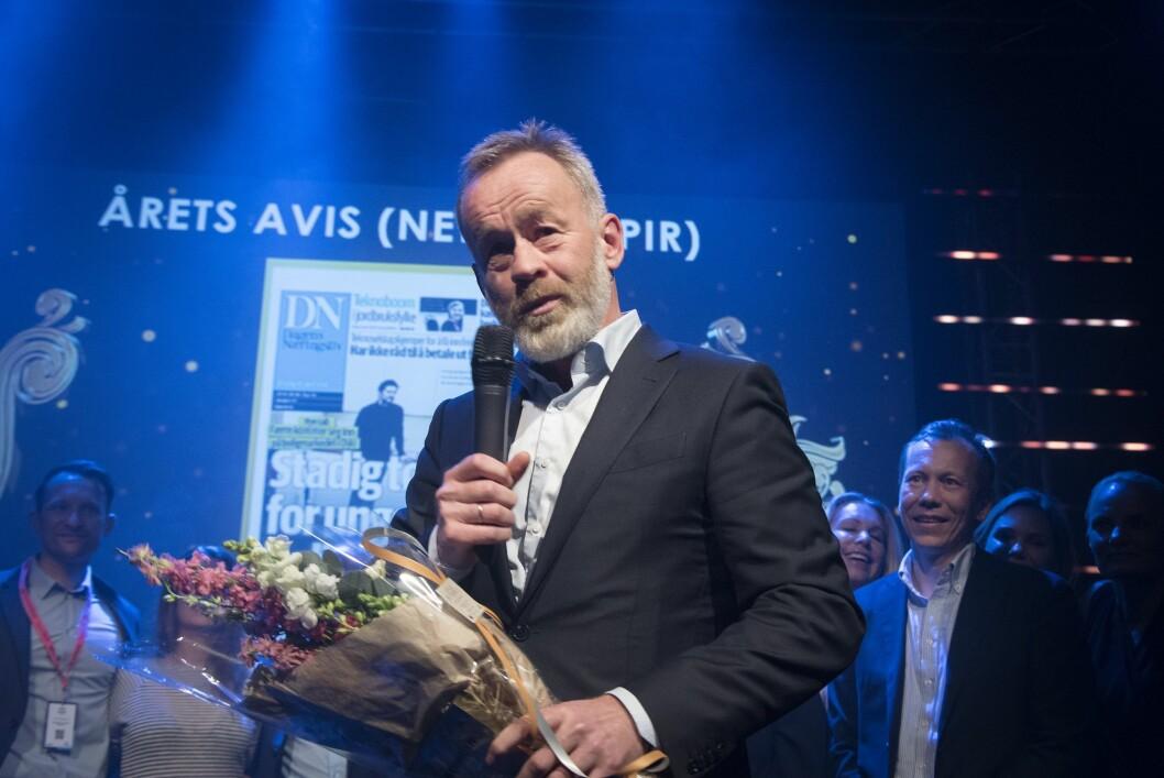 DN-redaktør Amund Djuve og resten av redaksjonen tok i mot prisen i Bergen onsdag kveld.