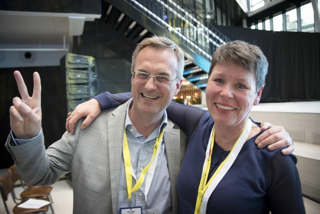 Administrerende direktør Per Brikt Olsen og nestleder Berit Nyman i Fagpressen reagerte med full jubel etter at kulturministeren kom med momsnyheter under Nordiske mediedager i 2018. Først nå er ordningen blitt en realitet.