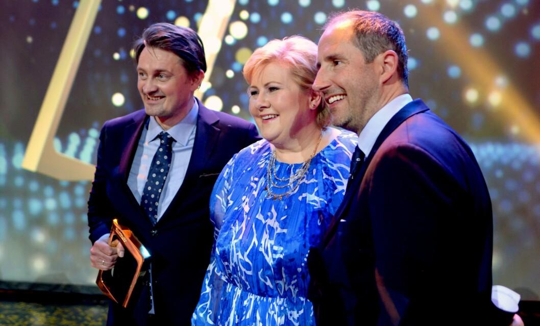 HEDRET SENKVELD-DUOEN: Statsminister Erna Solberg delte ut Gullrutens hederspris til Thomas Numme og Harald Rønneberg.