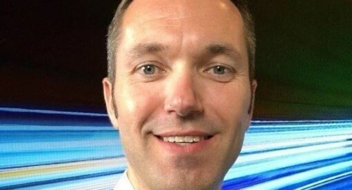 Marius Tetlie (42) blir konstituert i stillingen som nyhetsdirektør i NRK. Beverfjord slutter i midten av juni