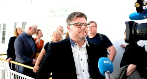 Det er trist og uverdig å se NRK-ansatte framstå som stolte streikere. Er det ingen som ser at dette bare ødelegger for dere selv?
