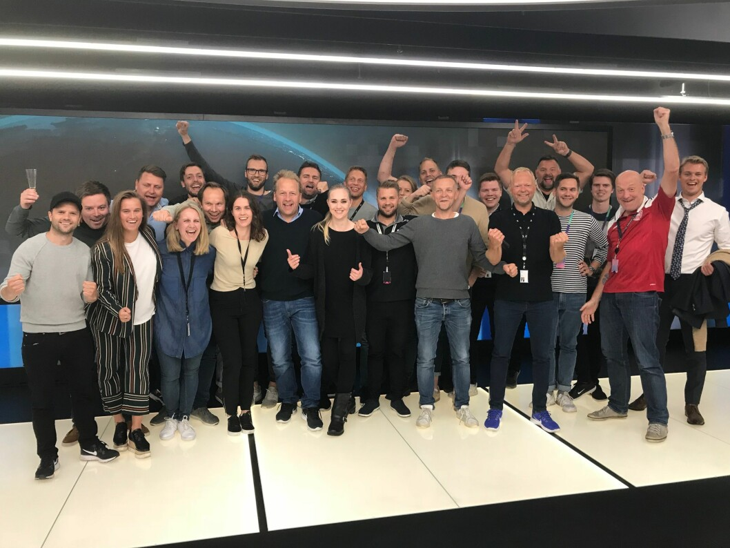 Full jubel i sportsredaksjonen til TV 2 i Bergen i dag, etter at de fikk beskjed om at Premier League-rettighetene er sikret.