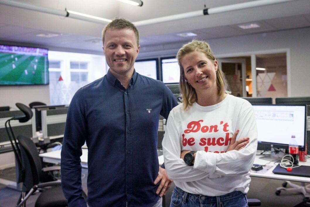 Konstituert daglig leder Svein Atle Huus og konstituert ansvarlig redaktør Marie Havnen gleder seg over fjorårets resultater.