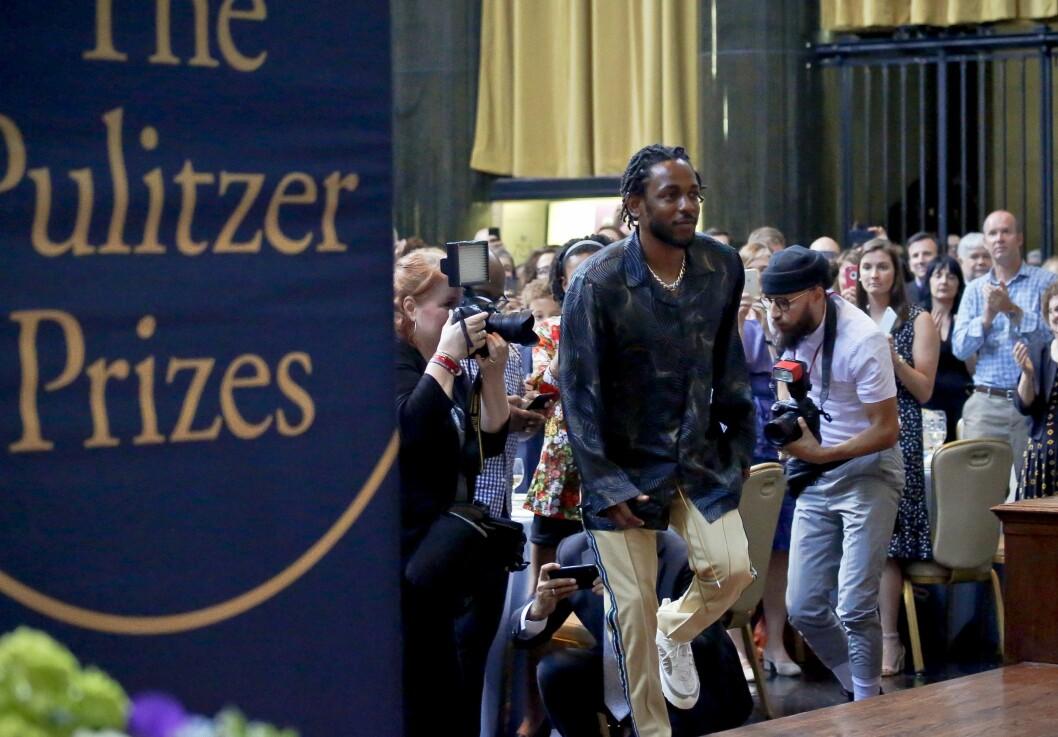 Kendrick Lamar syntes det var helt greit å bli fotografert da han vant en av de gjeveste journalistiske prisene, Pulitzer-prisen for musikk, i mai i år. Under tre måneder senere nekter han norsk presse tilgang under sin Øya-konsert.