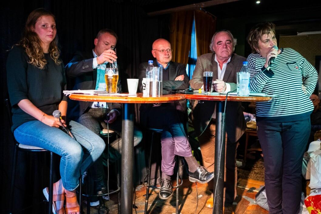 Maria D. Sandvik, Helge Lurås, Bjørgulv Braanen, Jon Olav Egeland og Elin Ørjasæter møttes til debatt i Arendal i regi av Klassekampen.