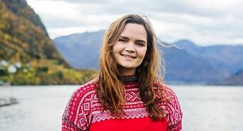 Liv Aarberg er (23) ansatt som kommunikasjonsrådgiver i Venstre