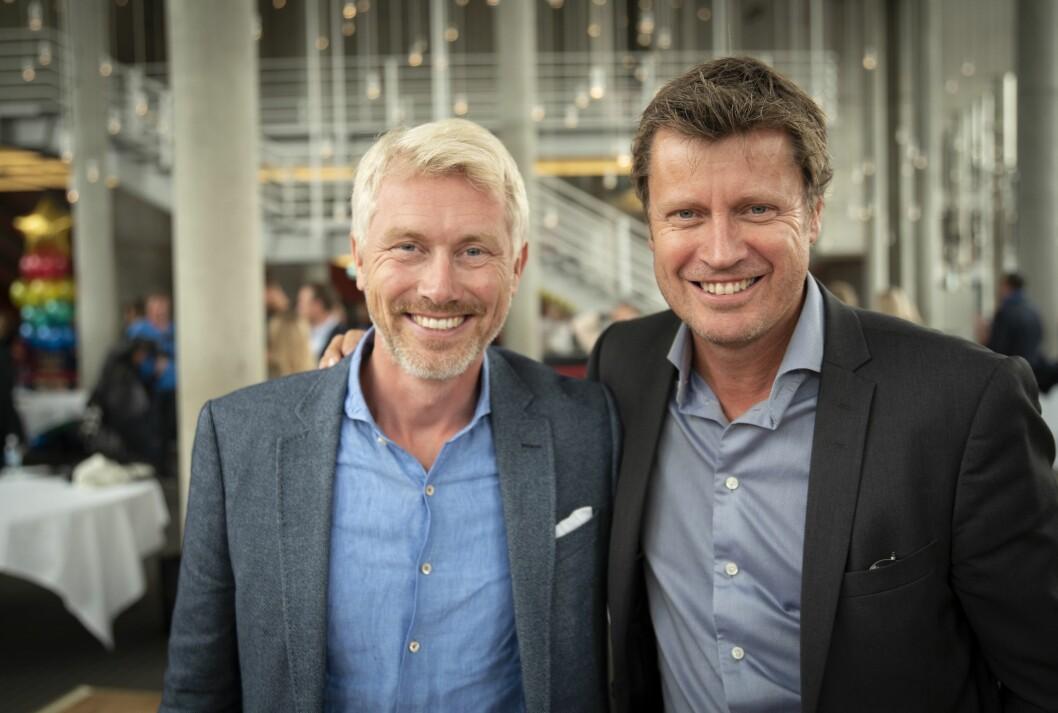 TV 2-sjef Olav T. Sandnes og programdirektør Trygve Rønningenkan glede seg over gode Sumo-tall.