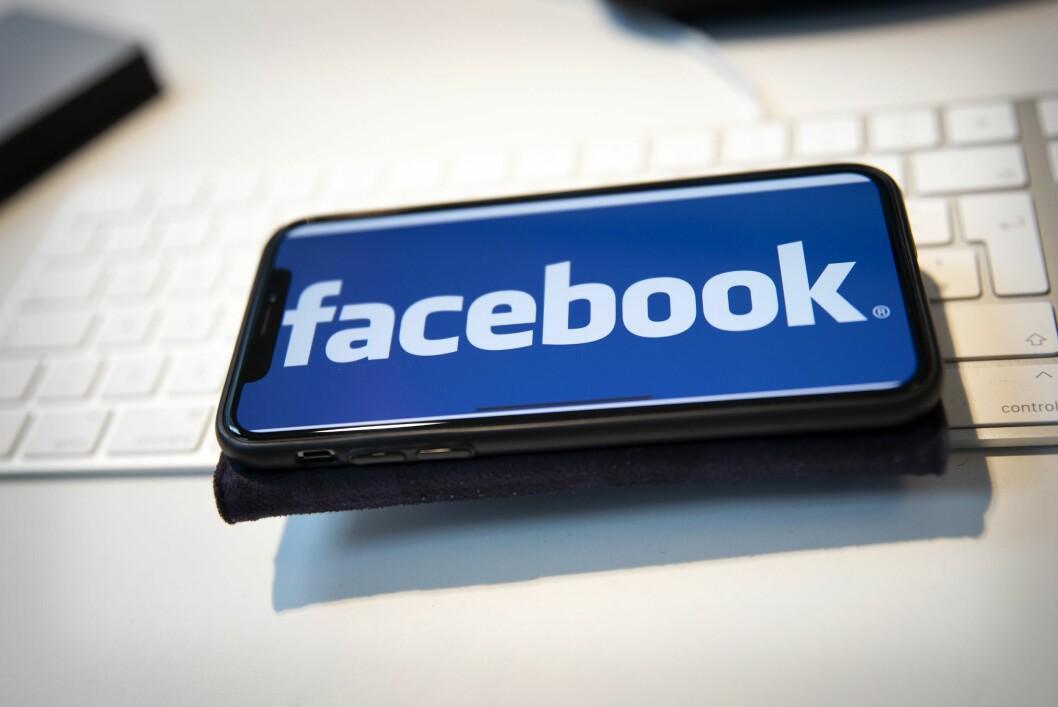 Facebook strenger ned russiske sider.