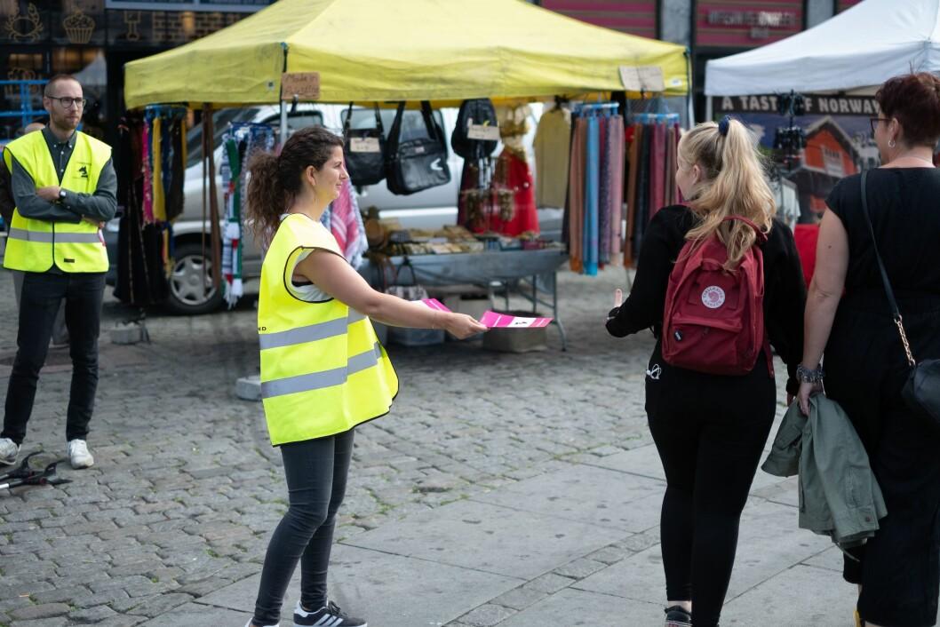 Silje Nordseth, klipper for NRK-serien Heimebane, og organisert i Norsk filmforbund demonstrerer på Youngstorget.