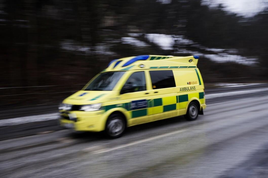 Illustrasjonfoto av av svensk ambulanse.