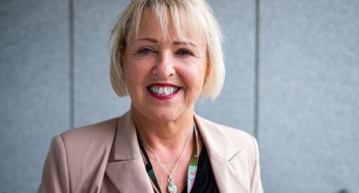 Som NRK-vikar kledde Grethe seg for å jobbe på desken, men så måtte hun møte statsråden: - Jeg husker skammen