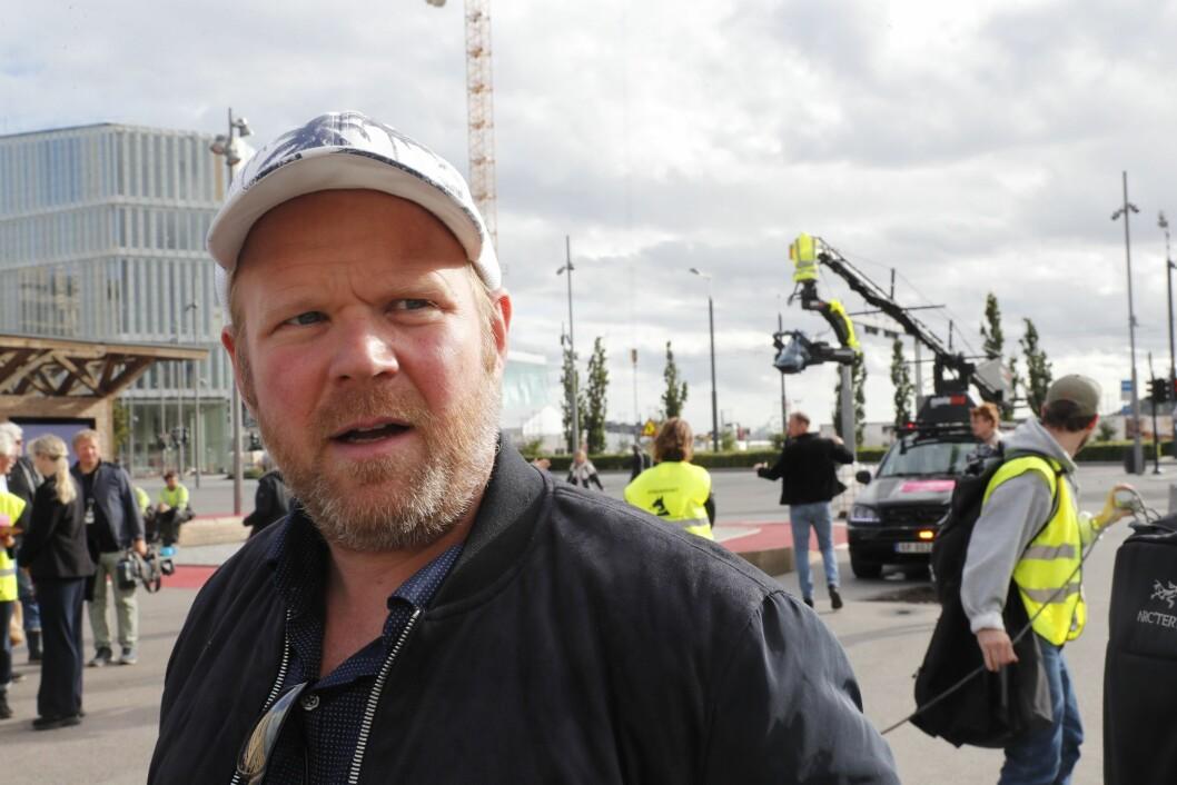 Anders Baasmo Christiansen er tilstede under støttemarkering på Christian Frederiks plass (sjøsiden av Oslo S) i regi av de streikende medlemmene hos Norsk filmforbund mandag