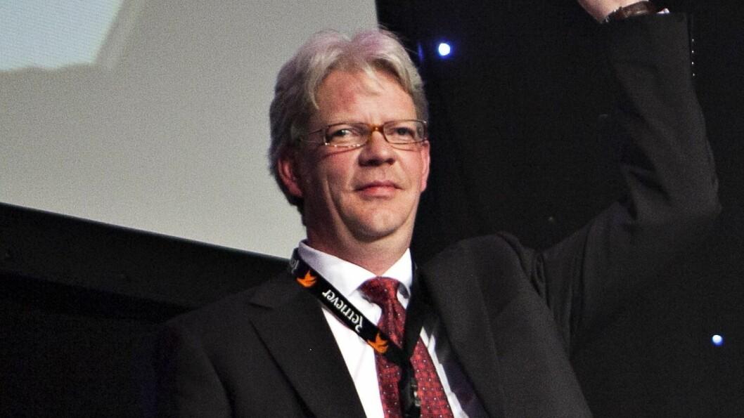 Tron Strand jobber som journalist i Bergens Tidende. Nå foreslås han som leder av offentlighetsutvalget. Her fra 2012 da han vant pris under SKUP i 2012.