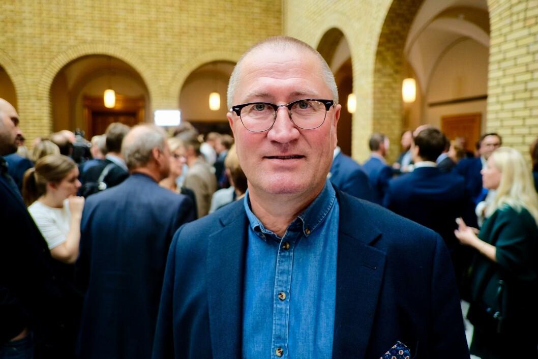 Geir Jørgen Bekkevold (KrF) i vandrehallen.