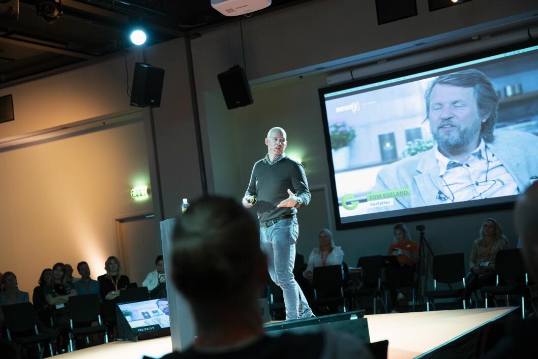 Facebook Norge-sjef Rune Paulseth på scenen under Mediekonferansen