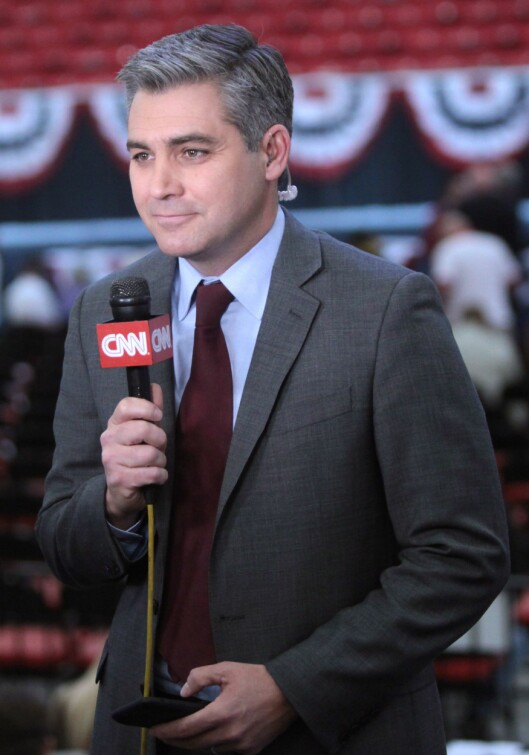 CNNs Jim Acosta har fått akkrediteringen til Det hvite hus inndratt etter en konfrontasjon med president Trump. Uakseptabelt, sier presselosjen.