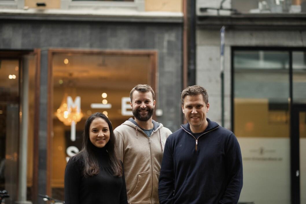 Fra høyre: Carolina Mendosa, prosjektredaktør i Pressworks Story, Björn Audunn Blöndal, daglig leder i Pressworks Story og Christian Enger, daglig leder i Pressworks Studio.