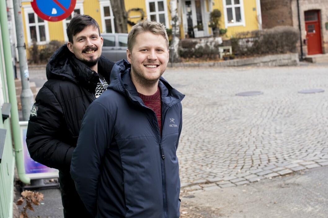 Bjørn Henning Ødegård og Fredrik Sjaastad Næss sier det er tilfeldig at de valgte konspirasjoner som tema for podden sin.