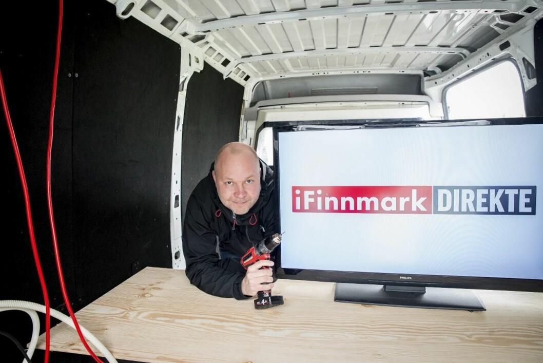 Stian Eliassen står bak byggjinga av sendebilen til iFinnmark.
