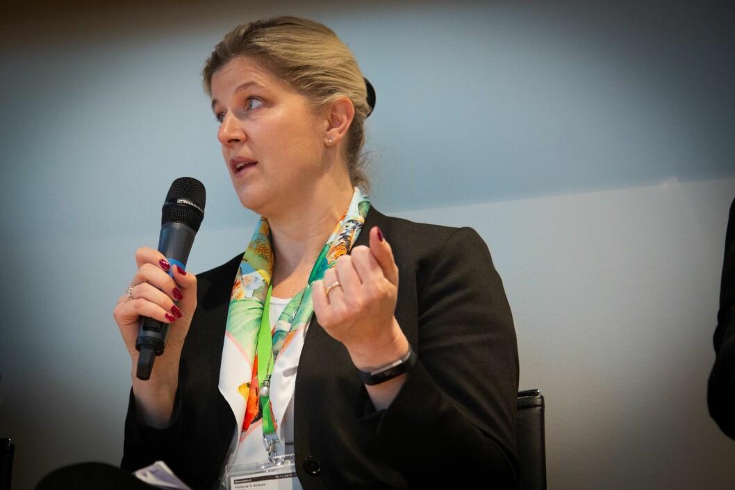 Victoria C. Schultz, konserndirektør Amedia salg og marked. Her på debatt om medievanar hos Deloitte i november 2018.