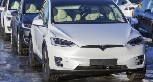 Både DN og TV 2 skrev om at stadig flere bytter inn Teslaen i en ladbar hybrid- eller dieselbil