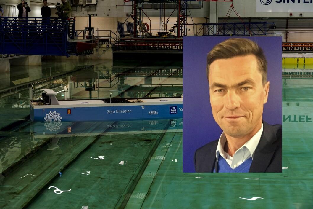 Vincent Fleischer (46) er ansatt som strategi- og kommunikasjonsdirektør i SINTEF. Her innfelt over et bilde fra SINTEF Ocean i Trondheim