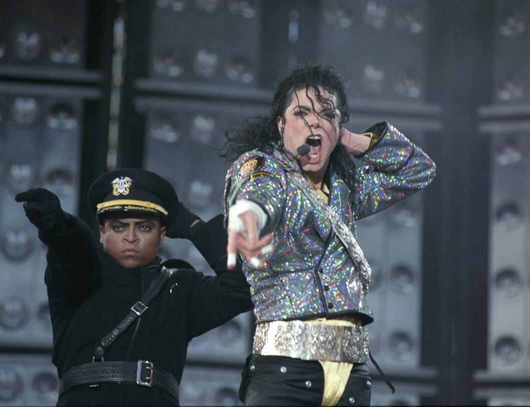 Oslo, 1992: Konsert med Michael Jackson på Valle Hovin. Michael Jackson på scenen under konserten