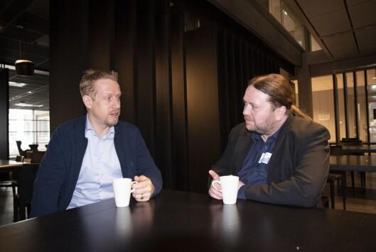Redaktør Kristoffer Egeberg i Faktisk og journalist Tarjei Leer-Salvesen i Fædrelandsvennen.