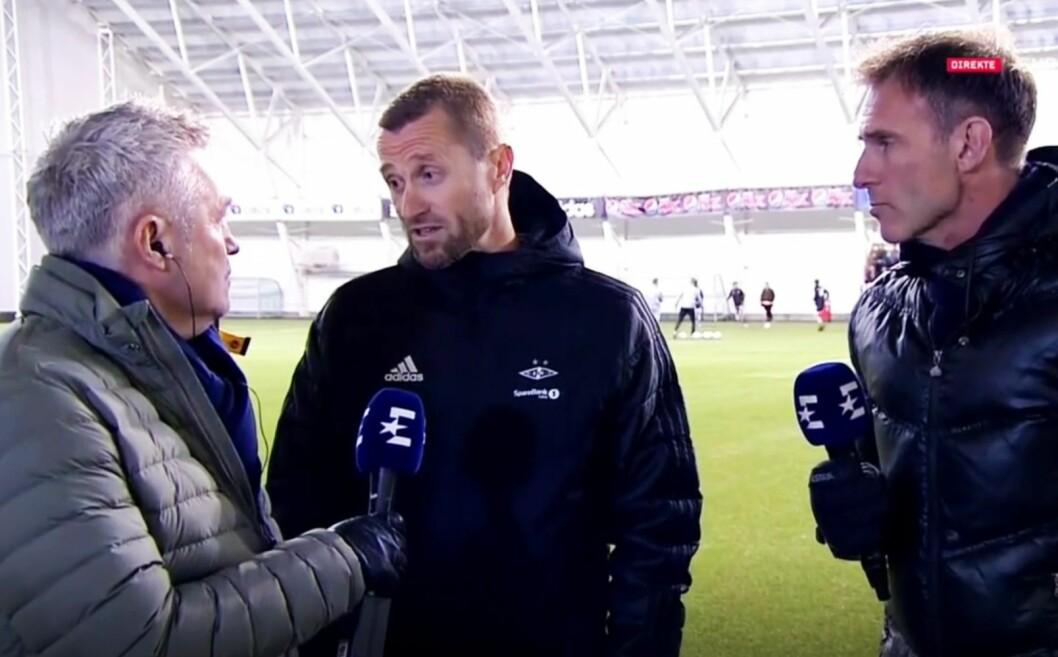 Tidligere RBK-trener og nå reporter/ekspert Kåre Ingebrigtsen intervjuer nåværende RBK-trener Eirik Horneland. Til høyre: Carsten Skjelbreid.