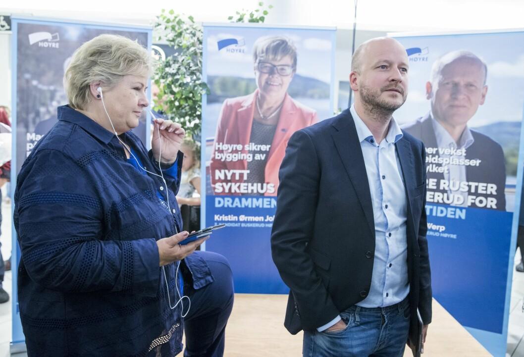Diskusjonen om båndene mellom PR-bransjen og politikken har blusset opp nok en gang. De skjer etter at PR-rådgiverne Sigbjørn Aanes og Ole Berget, med fortid sentralt i regjeringspartiene Høyre og Frp, tok ferie fra jobben i First House for å hjelpe Tor-Mikkel Wara (Frp). Bildet er fra da Aanes var statssekretær for Solberg.