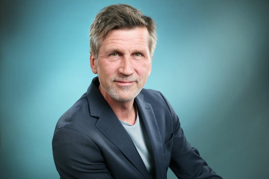 Programleder Håkon Haugsbø gjør comeback på NRK som programleder for «Desse dagar» på NRK P2.