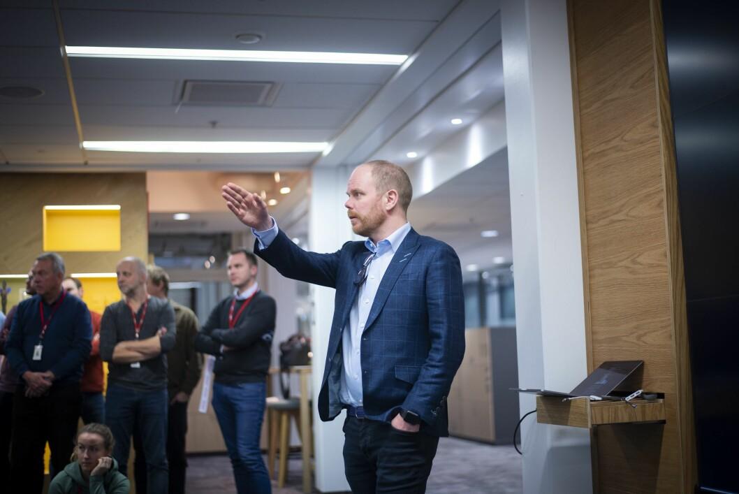 Sjefredaktør Gard Steiro i VG talar framføre sine tilsette på eit morgonmøte 11. desember i fjor.