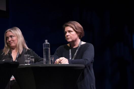 Tone Sofie Aglen i Adresseavisen og Hege Ulstein i Dagsavisen under debatt om VG-saka på Skup-konferansen