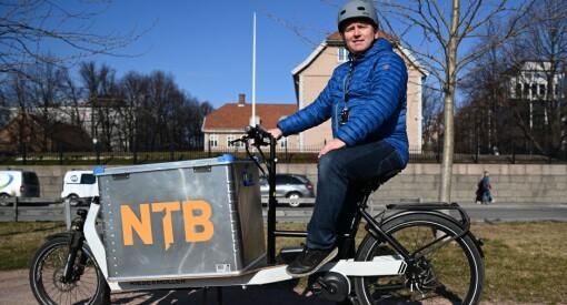 Slutt på trafikkø og parkeringstrøbbel: NTB med elektrisk «rykkesykkel»