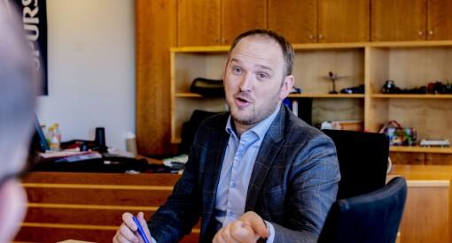 Samferdselsminister Dale svarar redaktørane i nord: «Vi gir faktisk med begge hender»