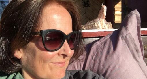 Eva Grinde (53) trådte sine journalistiske barnesko i jordbæråkeren blant traktorer og påkjørte gamle damer