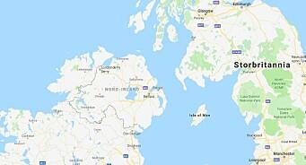 Kvinnelig journalist drept i opptøyer i Nord-Irland
