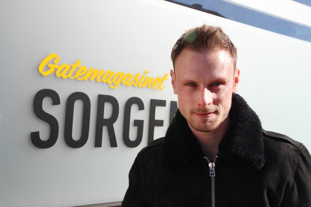 Thomas Tangen (29) er ansatt som journalist i Gatemagasinet Sorgenfri. Tangen kommer fra stilling som journalist i lokalavisa Norddalen.