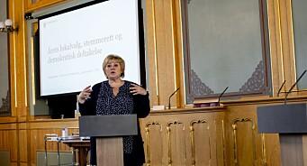 Erna Solberg foran landets politiske journalister: - En fordel om Resett var underlagt presseetikken